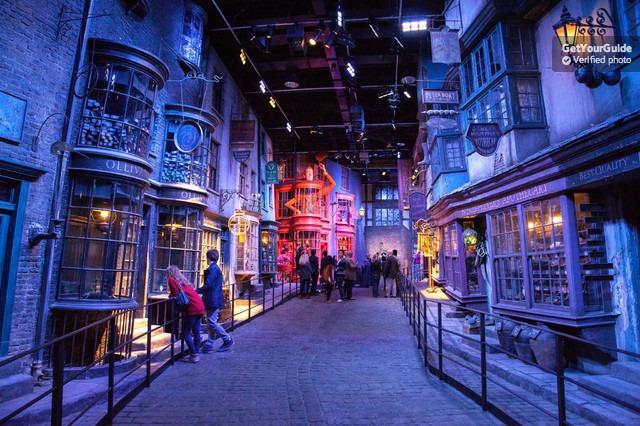 Harry Potter ve Warner Brothers Stüdyo Turu ve Transfer