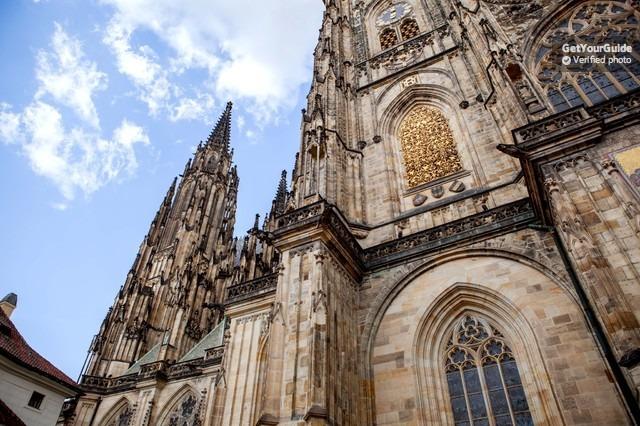 Prag: Gemi Yolculuğu ve Öğle Yemeği Dahil Tam Gün Tur