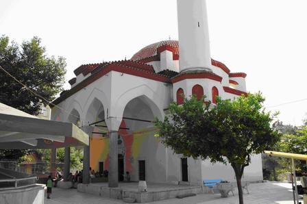 Üveys Paşa Camii