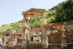 Efes Trajan Çeşmesi